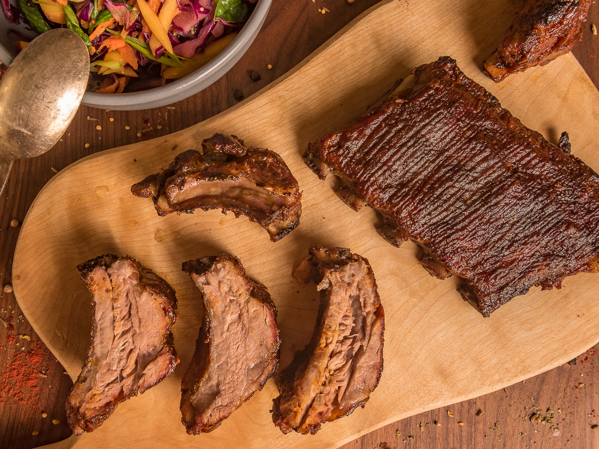 Barbecue pork ribs and red cabbage coleslaw